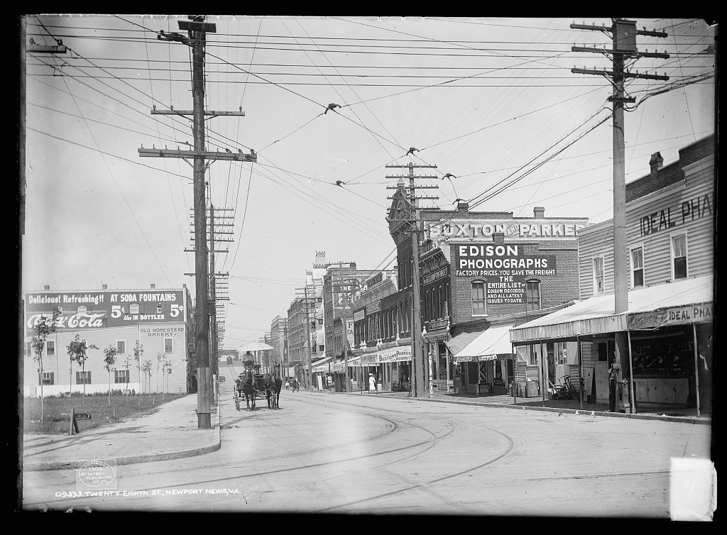28th Street, Newport News, Virginia around 1906.