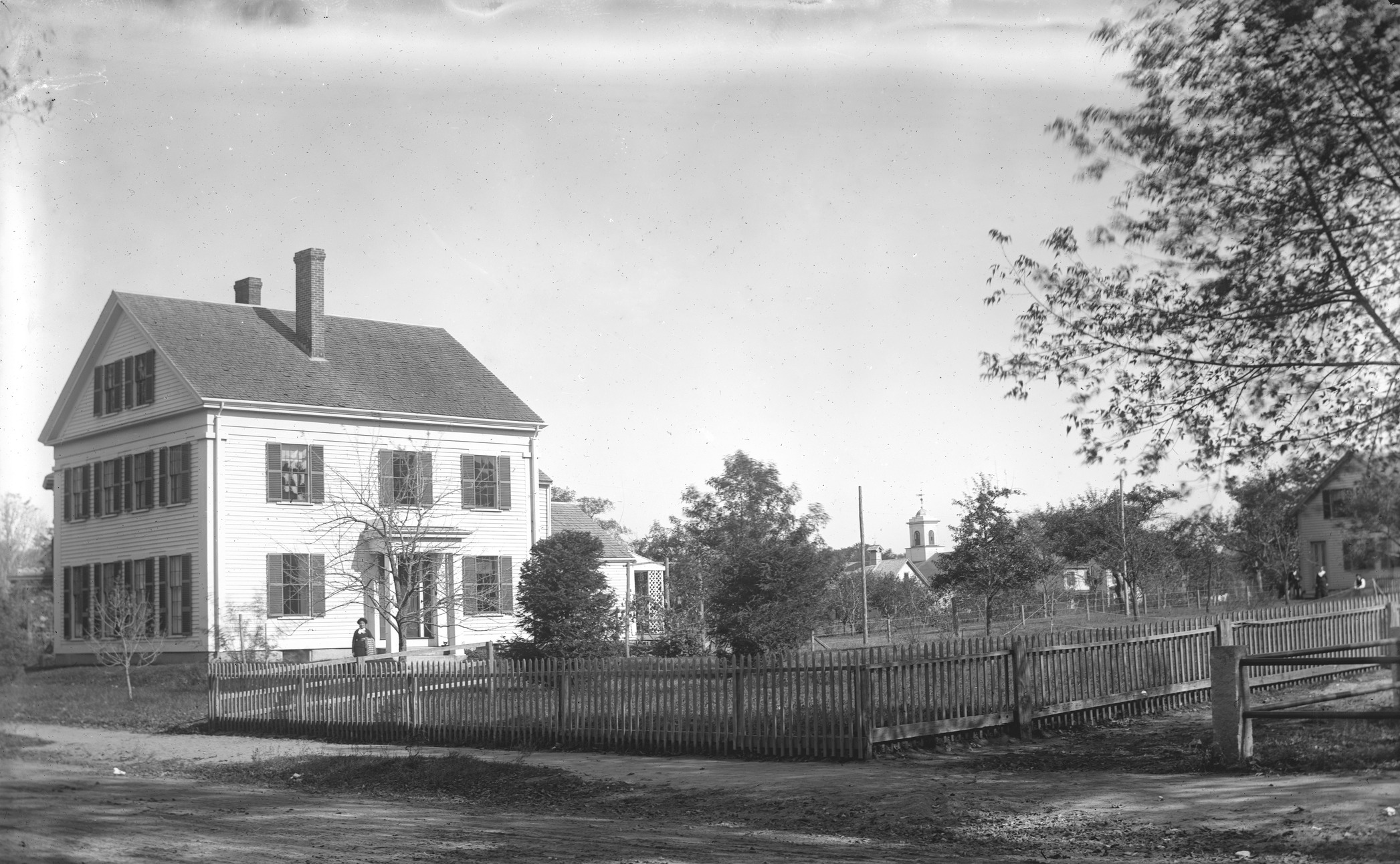 Photograph of the Ann Bigelow House in Concord, MA.